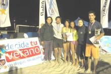 profesionales del SENDA previene de Caldera posando junto a los ganadores del certamen que se jugó en el marco de la campaña de verano
