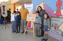 Instalación de placa preventiva en colegio Joaquín Vicuña