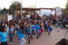 Masivo flashmob preventivo fue ampliamente aplaudido por todo el público presente en la celebración del día internacional contra las drogas en Caldera.
