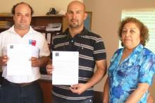 Coordinador regional del SENDA Jaime Carvallo en el momento de la firma de acuerdo con empresa Constructora Boggioni Ltda