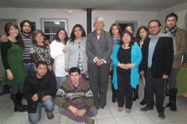 Directora Amarales junto a profesionales de Centro de Tratamiento