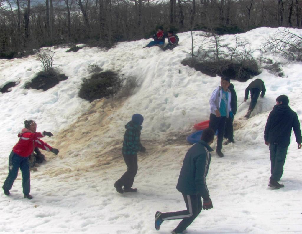 Estudiantes en la nieve
