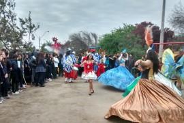 Multitudinaria y carnavalesca marcha contra las drogas