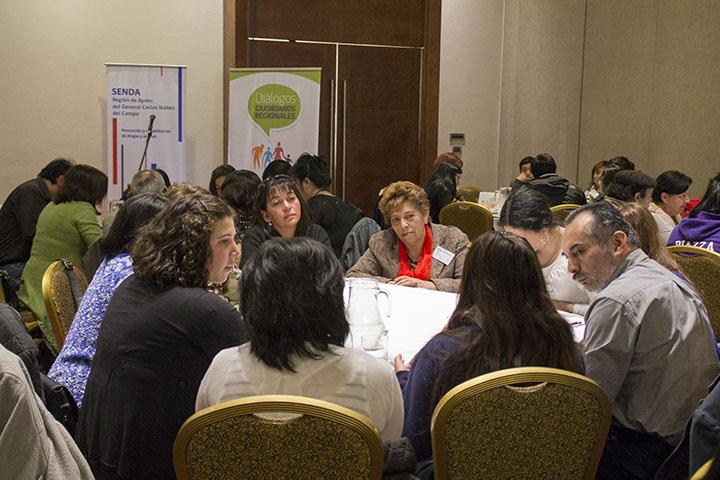 Participación estudiantil marcó diálogo ciudadano con Senda