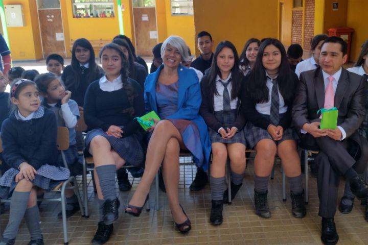 Directora reconoce labor preventiva de colegio Patricio Mekis
