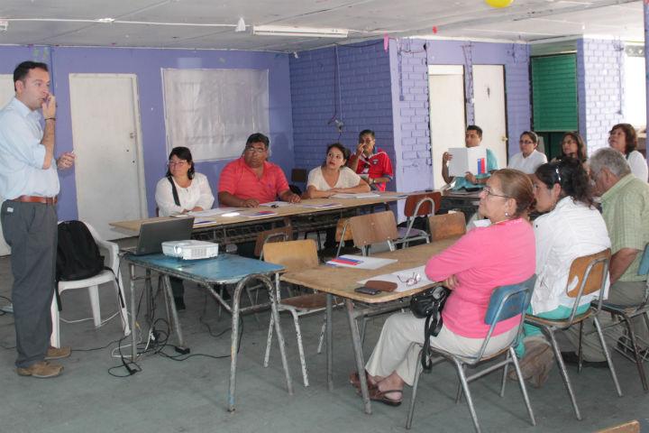 Vecinos aprenden a formular proyectos preventivos