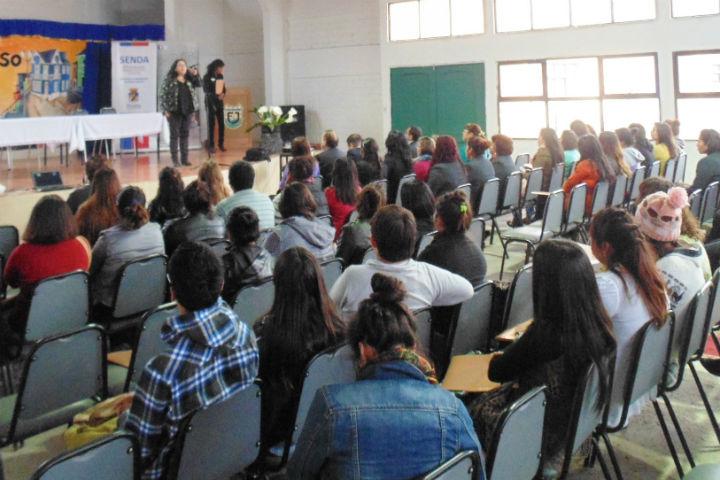 Dictan seminario a estudiantes de instituto profesional