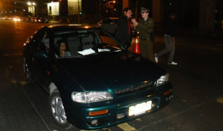 CONACE entrega información preventiva en zonas de carrete nocturno