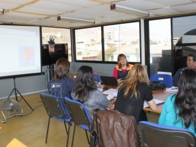 Estudiantes de Santa Cruz conocen bases científicas de la drogadicción