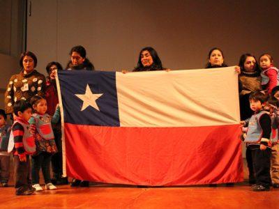 Alumnos de Coyhaique reciben nuevos textos escolares preventivos de SENDA