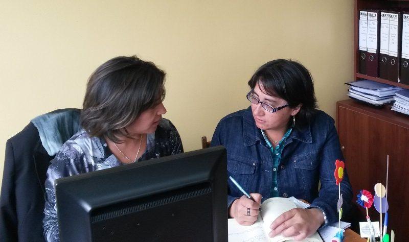 Comisión Comunal de Drogas de Panguipulli entrega material informativo a estudiantes