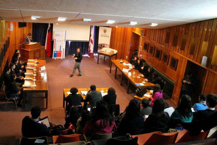 Organizan en Temuco seminario sobre prevención en el ámbito laboral