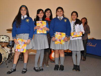 Alumnos de Colegio Francis School le cantan a la prevención