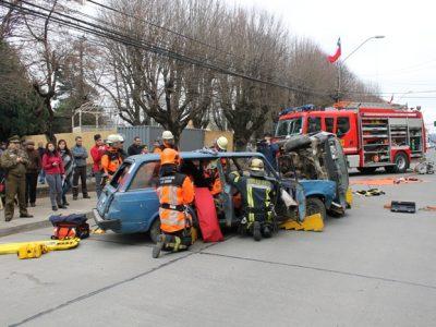 Gran expectativa en transeúntes generó simulacro de accidente organizado por Senda Previene La Unión