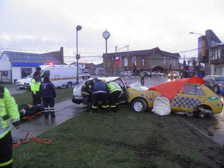 Con simulacro de accidente buscan generar conciencia en Puerto Natales