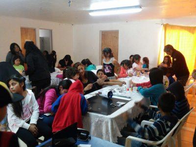 Niños, niñas y jóvenes del Programa Actuar en Comunidad participan en taller cinematográfico