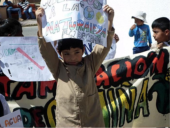 Párvulos fomentan prevención de consumo de drogas y alcohol en Camiña