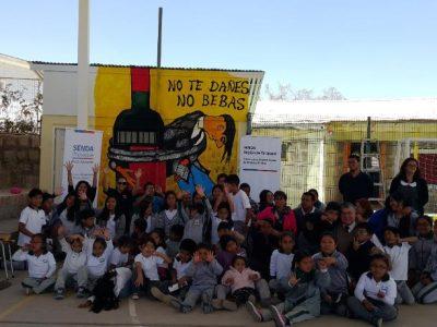 Alumnos de Mamiña crean mural preventivo de consumo de drogas y alcohol