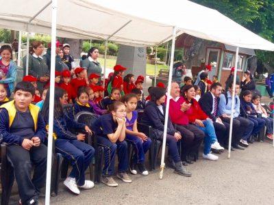 En Liceo Bicentenario realizan primera feria preventiva de SENDA
