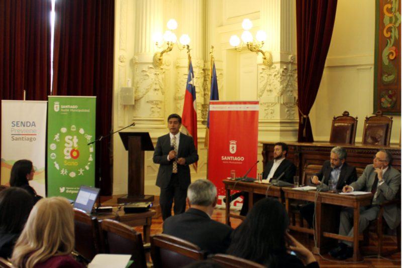 SENDA y Municipalidad de Santiago desarrollan protocolo de intervención y prevención en liceos municipales