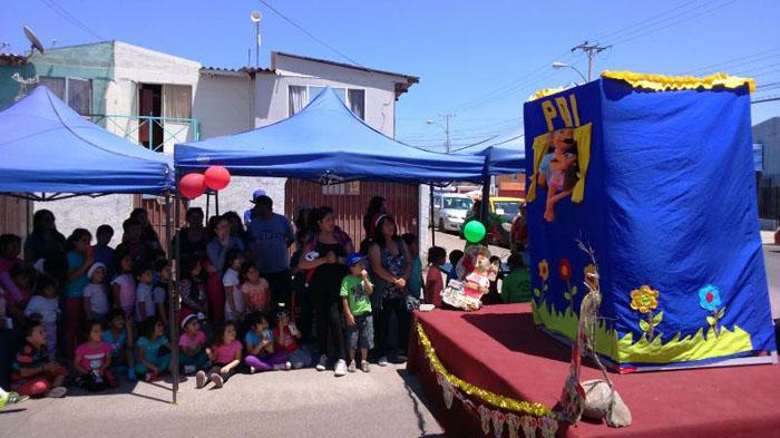 Niños y niñas de la Villa Frei celebran Navidad en Alto Hospicio