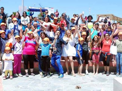 """Campaña """"Empezar a Conversar"""" se lanza junto al mar en la región de Valparaíso"""
