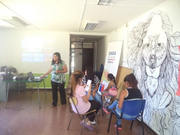 SENDA Previene Valdivia realizó taller preventivo a adolescentes