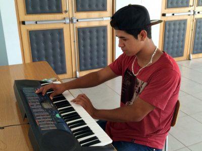 Taltalinos previenen consumo de drogas a través de la música