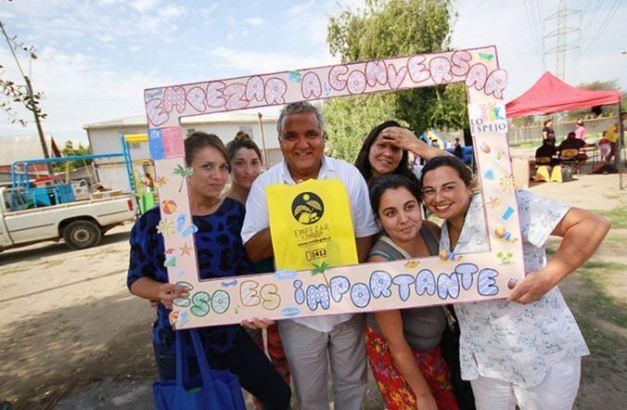 Campaña preventiva de SENDA llega a actividades comunales de Lo Espejo