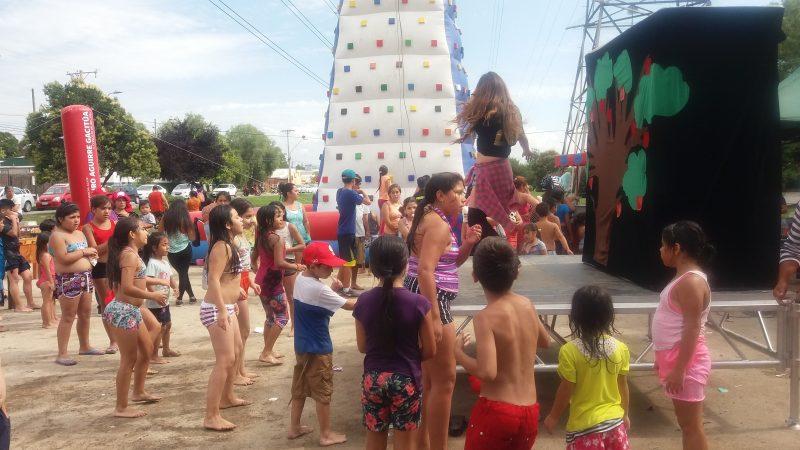 Estudiantes valdivianos conocieron Bibliodrogas Itinerante de SENDA