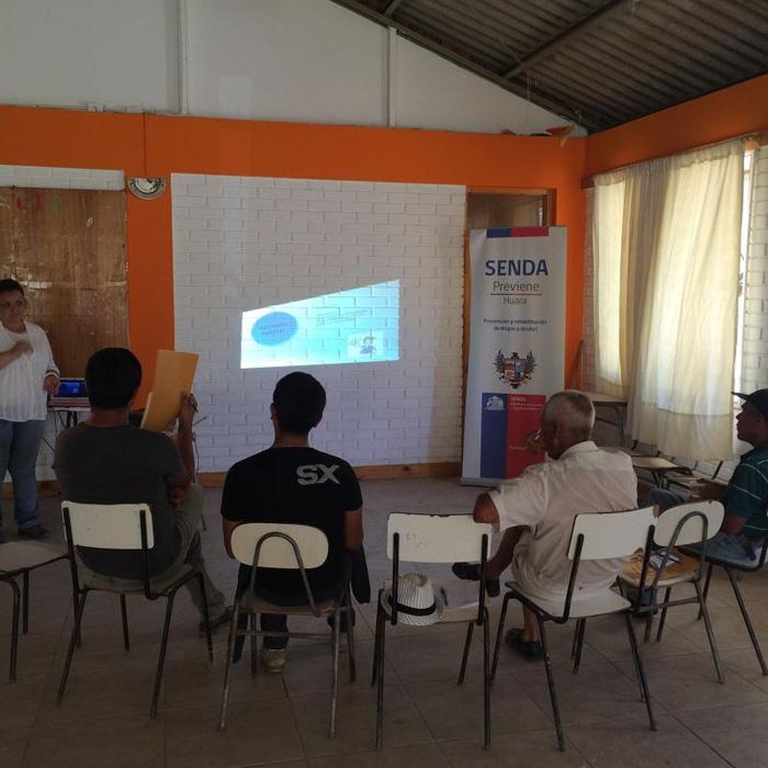 Forman líderes de prevención de drogas y alcohol en Huara