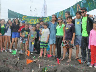 Más de 400 personas participaron en concurso de castillos y figuras de arena en Lenga