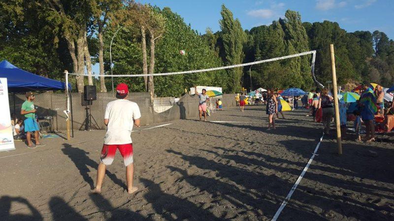 30 duplas participaron en campeonato de vóleibol playa organizado por SENDA Previene Villarrica