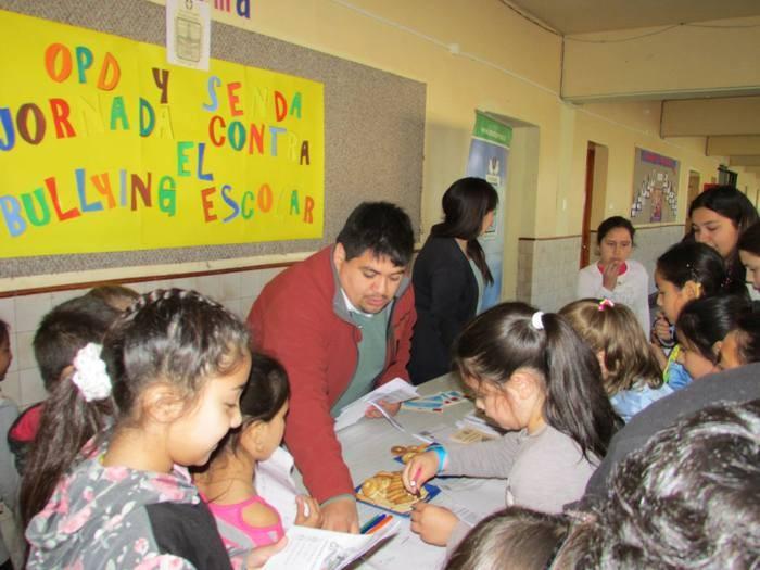 Senda Previene recibe en sus colegios a alumnos de Porvenir