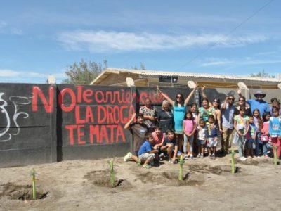 Vecinos de la comuna de Pozo Almonte previenen consumo de drogas con murales artísticos