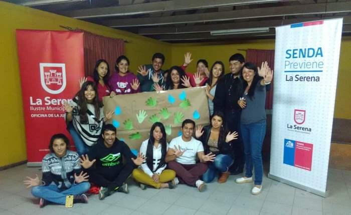 Jóvenes de Altovalsol participan en primer diálogo juvenil