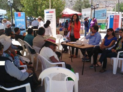 SENDA entrega oferta programática a vecinos de Camiña