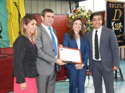 SENDA Araucanía entrega reconocimiento a Escuela Alejandro Gorostiaga de Nueva Imperial
