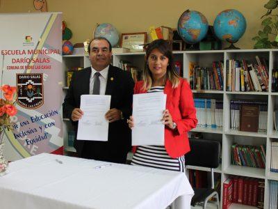 SENDA Araucanía firma convenio con SEREMI de Educación en temática preventiva