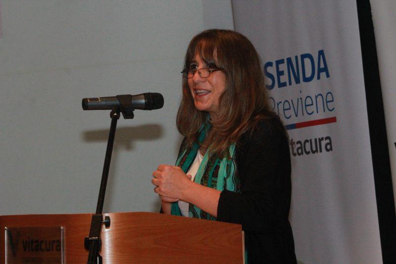 Directora de SENDA RM encabeza seminario sobre marihuana