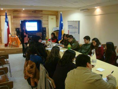 Sesiona mesa comunal de prevención de alcohol y drogas en Porvenir