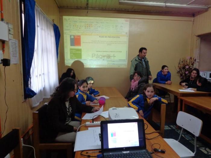 Mesas Educativas son convocadas por programa SENDA Previene Lanco