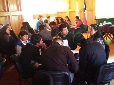 Jóvenes de Villarrica se preparan para participar en el 4° Encuentro de Debate Estudiantil Preventivo