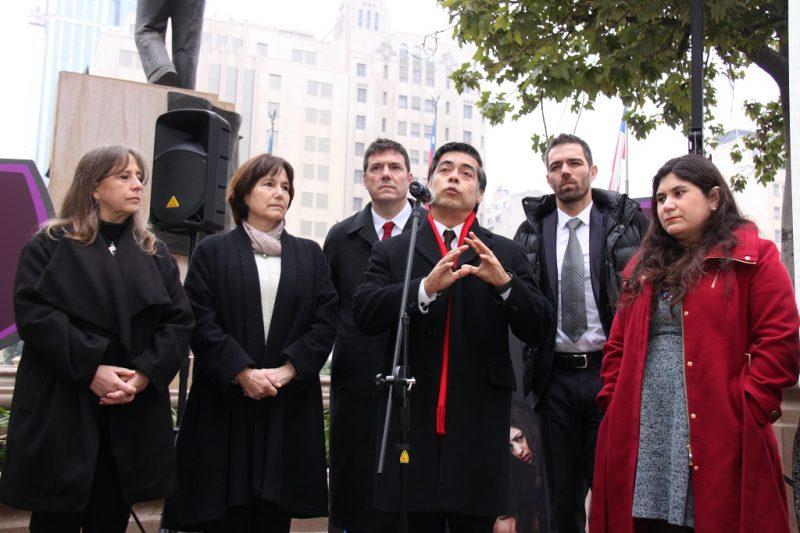 Chilenos casi triplican el nivel de consumo de alcohol considerado peligroso por la OMS