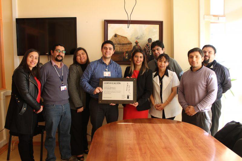 SENDA Araucanía entrega certificación a Hospital de Angol destacando labor de prevención en espacios laborales
