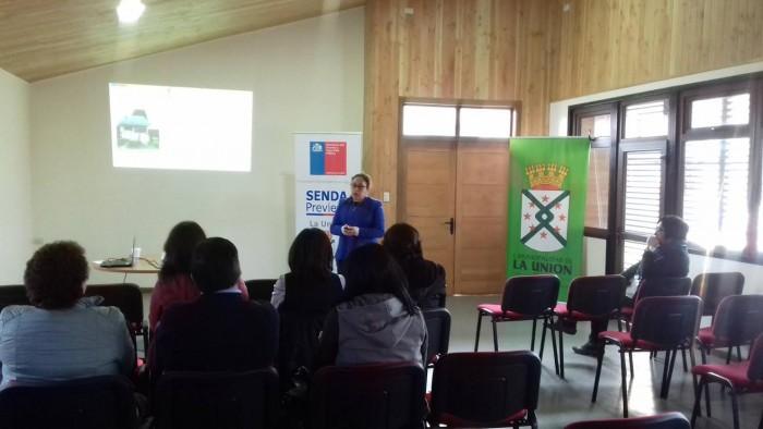 Senda Previene La Unión realizó charla de sensibilización sobre consumo abusivo de alcohol a funcionarios municipales