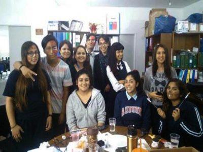 Jóvenes voluntarios trabajan junto a oficina comunal de SENDA la prevención de alcohol y otras drogas