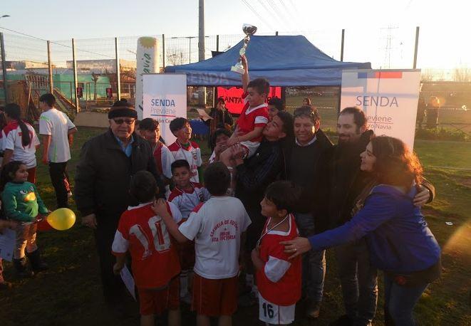 Previenes Cerro Navia y Estación Central se unen por el fútbol preventivo