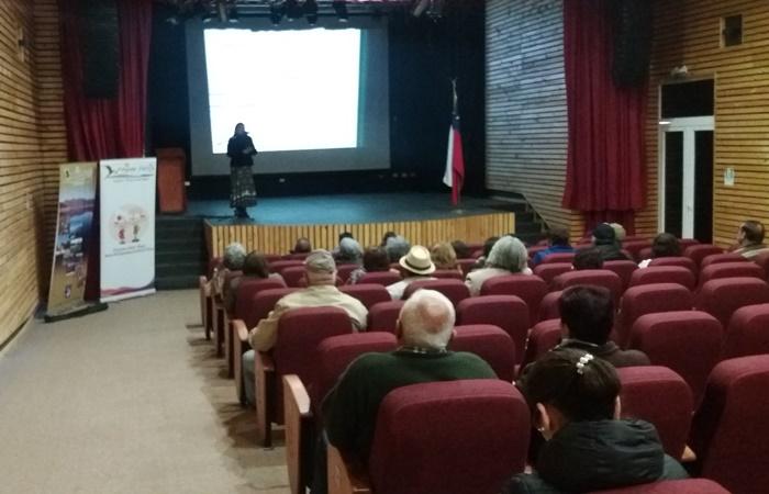 Adultos mayores de Monte Patria se informan sobre campaña preventiva
