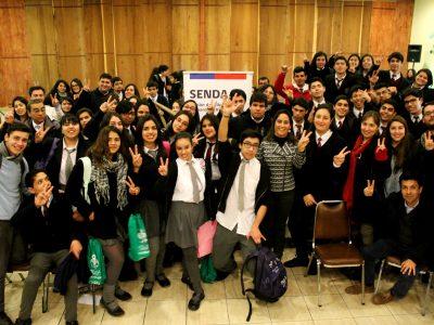 Más de 120 estudiantes de la región debaten sobre alcohol y drogas